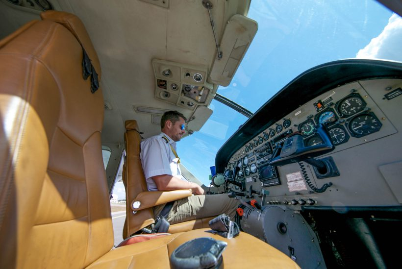 Flight Safari Pilot 2